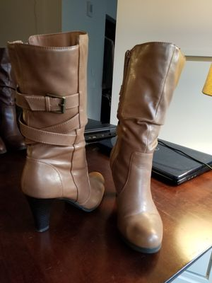 Tan boots sz 9 for Sale in Nashville, TN