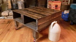 Repurposed pallette coffee table for Sale in Erie, PA
