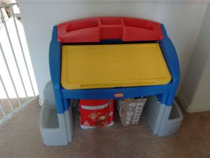 Little tikes kids desk with drawing and side storage for Sale in Alafaya, FL