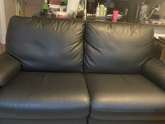 Vinyl Leather Double Recliner Couch TAKING OFFERS!! for Sale in Brooklyn,  NY