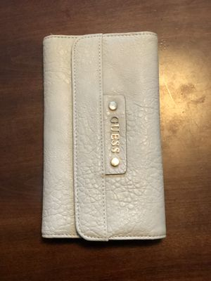 Guess wallet for Sale in Beaumont, CA