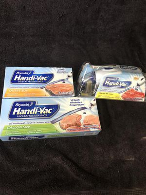 Handy-vac vacuum sealer with quart size and gallon sized bags for Sale for sale  High Point, NC