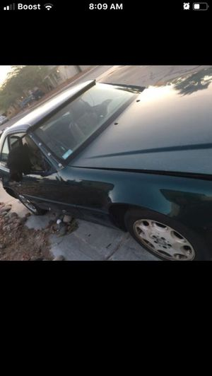 SL500 Mercedes parts car! 1st $100 with Title! TONIGHT ONLY! for Sale in Las Vegas, NV