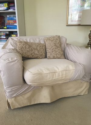 Oversized chair. for Sale in Great Falls, VA