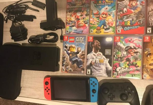 Nintendo switch (come with everything pictured)