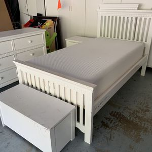 Girl's Bedroom Set for Sale in Del Mar, CA