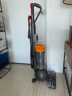 Dyson DC40 Vacuum, Upright Multifloor for Sale in Miami, FL