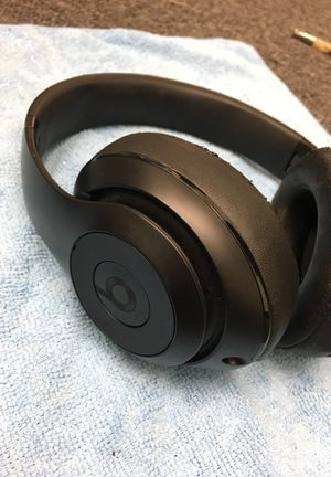 Beats studio wireless matte black for Sale in Lemon Grove, CA