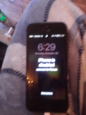 Iphone 5 locked but you can get it unlocked for Sale in Columbus, OH