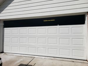 GARAGE DOOR and opener good preci for Sale in Houston, TX