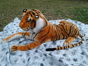 Giant tiger stuffed animal for Sale in Buda, TX