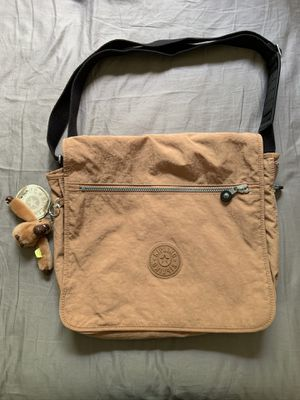 Kipling Madhouse Messenger Bag Includes Kipling Monkey keychain for Sale in North Miami Beach, FL