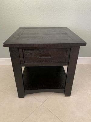Like New Espresso Rustic End Table for Sale in Southwest Ranches, FL