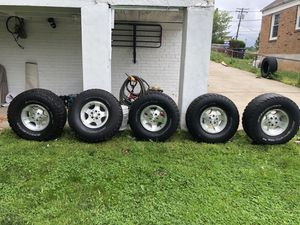 All terrain tires 33/12.50R15 for Sale in Bladensburg, MD