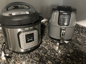 Instant Crock Pot for Sale in Washington, DC