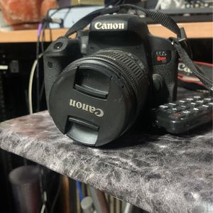 Canon Rebel T7I for Sale in Queens, NY