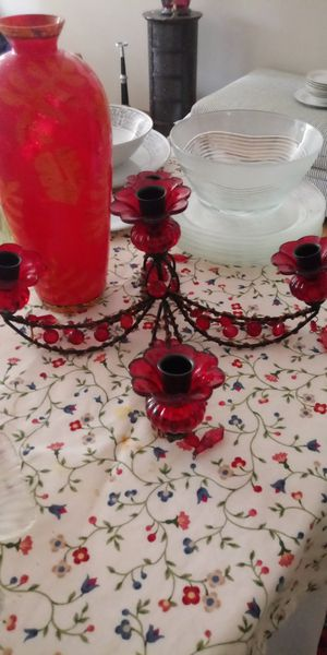 Red Glass new Chandler for Sale in UPPER ARLNGTN, OH