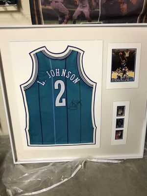 LARRY JOHNSON SIGNED JERSEY + SIGNED PHOTO AND 3 CARDS for Sale in San Diego, CA