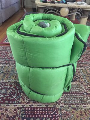 """Like new Sleeping bag with undercover pocket to hide your wallet dimensions are 72"""" x 30 for Sale in Spring Valley, CA"""