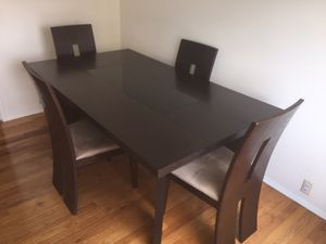 Brown Modern Wood and Glass dining table w/ chairs for Sale in Pittsburgh, PA