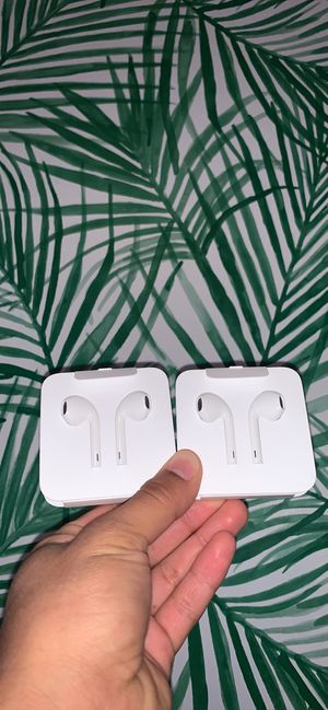 Apple Wired EarBuds ORIGINAL for Sale in Fresno, CA