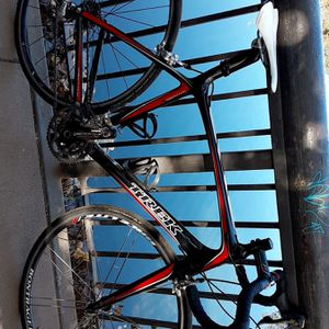Trek Madone carbon frame bike 56cm for Sale in Chico, CA