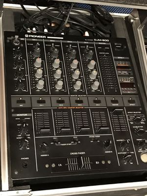 Used Pioneer DJ Equipment - Two CDJ 1000's and One DJM 500 for Sale in Jersey City, NJ