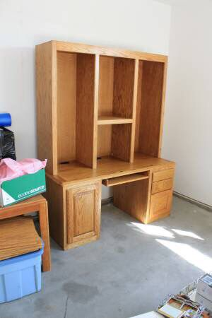 Desk with Adjustable and Detachable shelves for Sale in Clearwater, KS