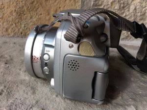 Canon PowerShot S2 IS with user guide, needs repair for Sale in Farmington Hills, MI
