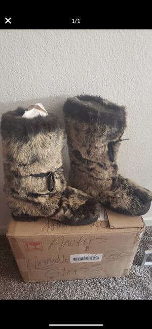 Bebe fur boots/ Authentic for Sale in Fresno, CA