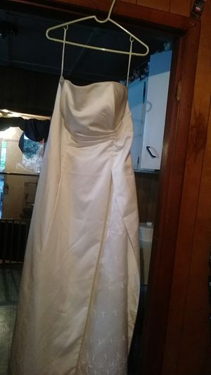 Cream color Prom or sweet 15or16 dress for Sale in Dundee, FL