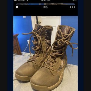 Nike Boots Size 7.5 25$ for Sale in Kissimmee, FL