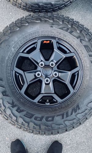 Jeep Gladiator Rubicon Wheels Rims Tires Rines Launch Edition 2020 for Sale in Gardena, CA