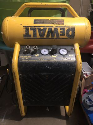 Dewalt compressor 200 psi for Sale in San Antonio, TX
