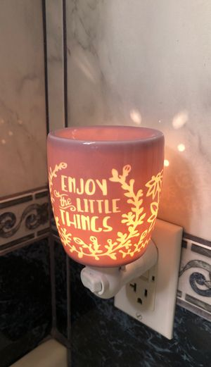 Scentsy Mini Warmer (Enjoy the Little Things) for Sale in Vernon, CA