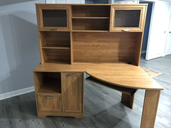 Corner Desk + Hutch- honey maple color