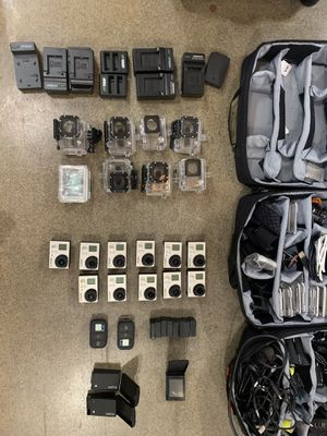 GoPro Lot - 11 Hero 3 action cameras + 3 cases, 2 remotes, many extra batteries and chargers for Sale in Redmond, WA