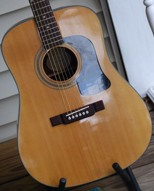 Washburn Acoustic Guitar for Sale in Wadsworth, OH