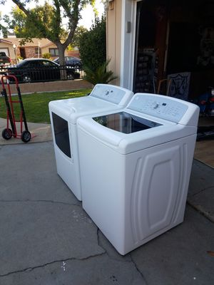 Washer and dryer Kenmore very good conditions for Sale in Fresno, CA