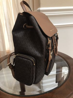 PRICE DROPPED BRAND NEW AUTHENTIC MICHAEL KORS BACKPACK 2 TONES BROWN BACK PACK for Sale in Seattle, WA