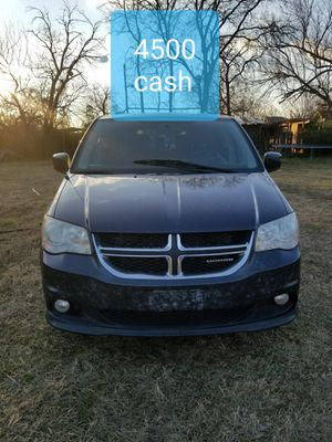 Dodge grand caravan 2010título limpio for Sale in Dallas, TX