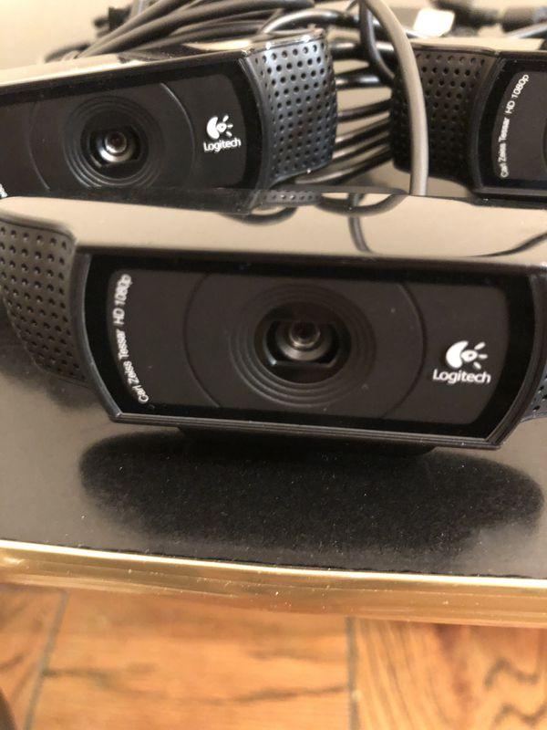 7 Logitech C920 HD Webcams