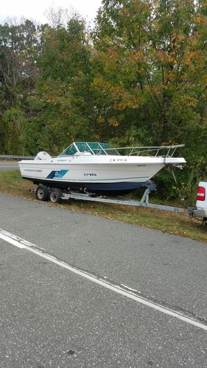 2001 aquasport 200 outboard motor Johnson for Sale in Yardley, PA