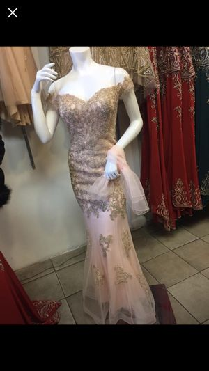 Prom dress for Sale in Perris, CA