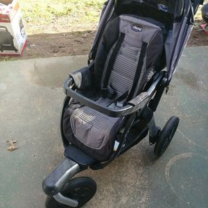 Chicco Stroller for Sale in Mount Rainier, MD