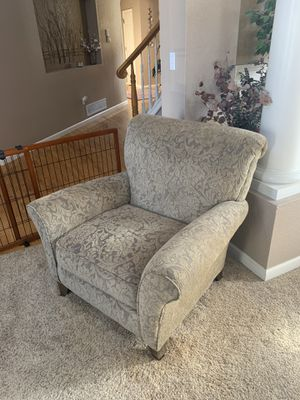 Arm chair for Sale in Arvada, CO
