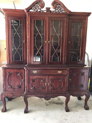 Antique China Cabinet (Must Pick Up) for Sale in Hutto, TX