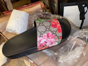 Gucci slides . for Sale in Hawthorne, CA