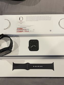 Apple Watch series 5 44mm AT&T for Sale in Chula Vista,  CA
