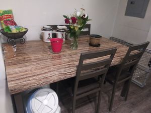 Dining room table width 60×36 length for Sale in Cicero, IL